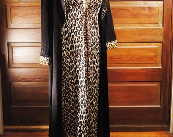 Leopard Print Sexy NIghtgown and Robe Set 1960s Lowcut Nightie Set Peignoir Pin Up