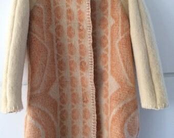 Handmade blanketcoat dekenjas made of a vintage wool blanket, size M
