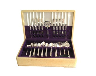 "Nobility Plate Silverplate Flatware Set ""Wind Song"" Complete Service for 8, Wooden Chest Silver Flatware Oneida Silverware"