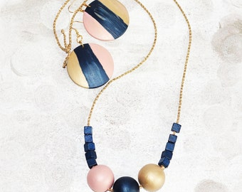 Dust gold pink blue wood necklace, gorgeous handpainted satin large beads, midnight blue gold necklace fashion, gold abstract necklace