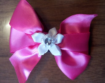 Pink ribbon with white flower mini hair bow