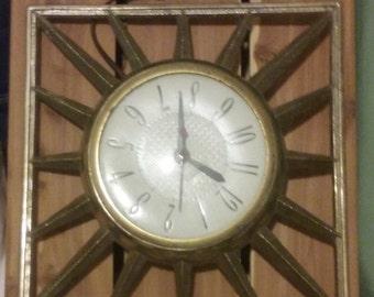 Electric clock SunRay metal United New York USA vintage