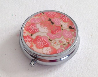 Pill box Jewelry case with Japanese handmade washi paper (cherry blossom) with gift envelope