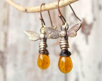 Honey Bee Earrings. Honey Bee Jewelry. Wire Wrapped Briolette Honey Amber Earrings. Amber Glass Dangle Earrings. Amber Jewelry