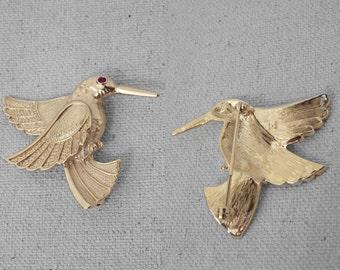 HUMMINGBIRD Brooch Pin Gold Tone Metal with Ruby Rhinestone Eye
