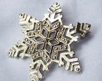 Vintage Silver Snowflake Pin