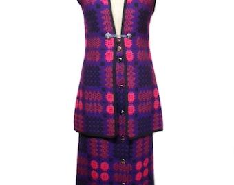 vintage 1960s Welsh tapestry suit / Corgi / pink purple black / wool / vest maxi skirt / women's vintage suit / size small