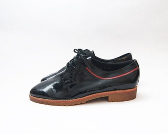 Vintage black patent leather lace up flats / men shoes