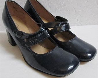 "1960's ""Gianelli"" Navy Patent Leather Mary Jane Shoes / Pumps - Size: 8 1/2 M"
