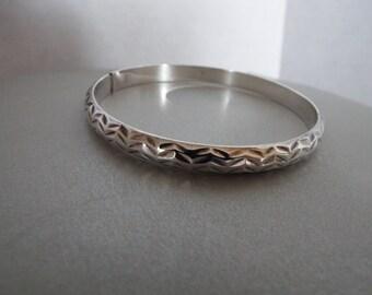 sterling silver patterned diamond cut bangle bracelet