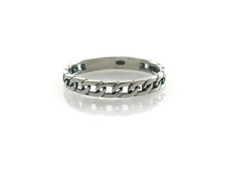 Chain ring. Silver chain ring. Sterling silver ring. Dainty sterling silver ring. Silver jewelry, gift for her, birthday gift,