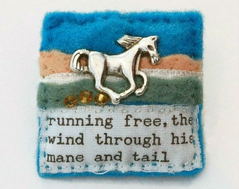 Horse brooch - equestrian jewellery - equine - horse gifts - horses - hand sewn gifts - gift for horse lover