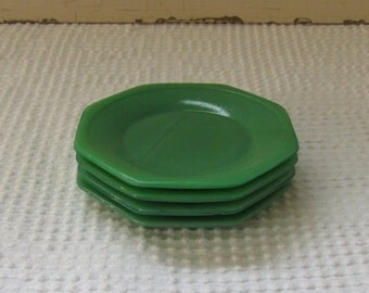 Set of Four Green Akro Agate Child Doll Plates