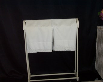 Pair of Vintage Pillowcases ~ Off White ~ Crocheted Trim ~ Standard Size 22 x 32 ~ shabby chic ~ cottage chic