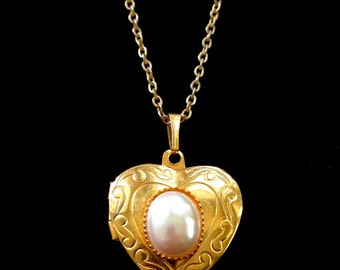 Heart Locket Necklace Vintage
