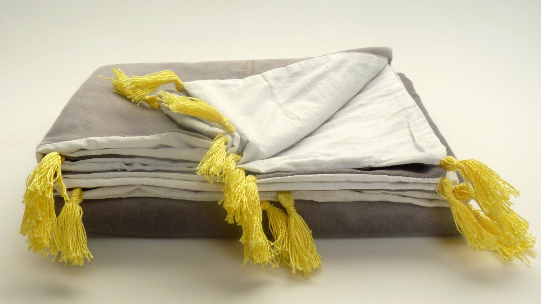 grau und gelb baby quilt kleinkind decke grau grau. Black Bedroom Furniture Sets. Home Design Ideas