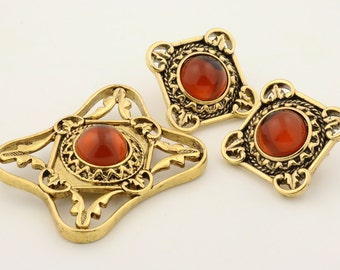 Vintage gold brooch and earrings set, amber cabochons