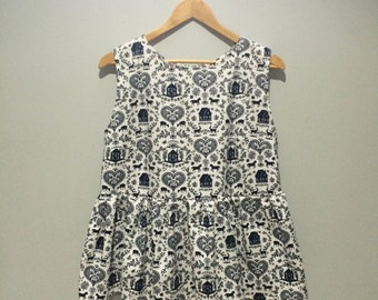 Prairie ruffle top - navy and white country print  size M/L
