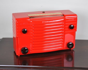 Antique 1948 Westinghouse Radio Plays And Looks Great.  FREE SHIPPING!