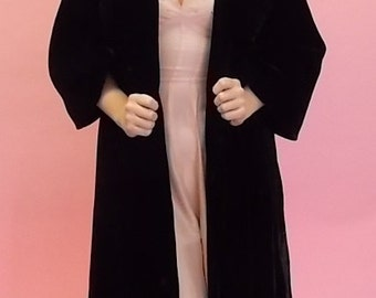 1950's Black Velvet Cape Coat Size M