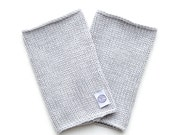 Hellgraue Pulswärmer, Design minimalistisch, Armstulpen, 100 % Merinowolle, handmade, unisex
