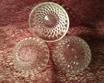 Set of 3 Matching Paternal Bowls - Clear Glass Dessert Bowls - Diamond Pattern