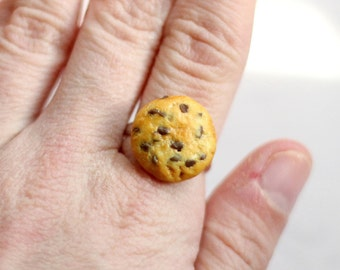 Miniature Cookie Ring, Polymer Clay Cookie, Miniature Food Jewelry, Chocolate Chip Cookie Ring, Cookie Ring