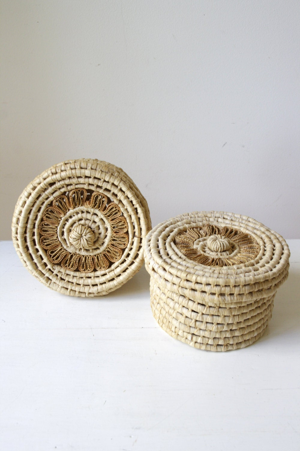 two vintage baskets with lids wicker trinket boxes eclectic. Black Bedroom Furniture Sets. Home Design Ideas