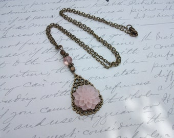 Pink flower necklace vintage antique brass / bronze chain with white or peach pink flower pendant