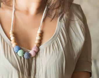 Crochet nursing necklace - teething necklace  - babywearing