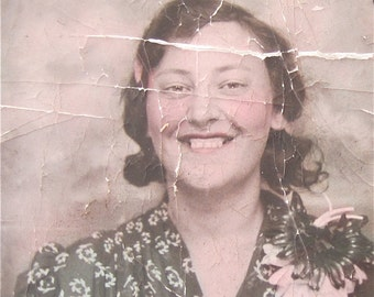 Original Hand Tinted 1930's Beautiful Young Woman With A Golden Smile Photo Booth Photo - Free Shipping