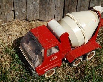 70s Tonka cement mixer truck Gas Turbine 2620 toys red vtg construction recreation vintage pressed steel kids car metal