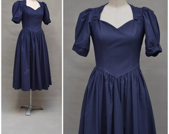 Vintage dress, 1980's Laura Ashley dress, Navy blue cotton day dress, Classic 80's Laura Ashley nostalgic / romantic, feminine design