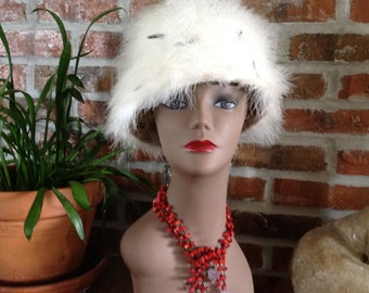 Marabou White and Black Feathered Hat, Vintage 1960s bucket shaped hat