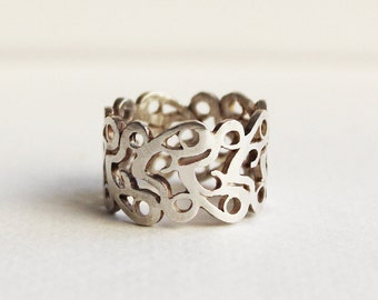 Silver filigree ring, Sterling Silver Lace Corset ring, an original design pattern wide band ring.