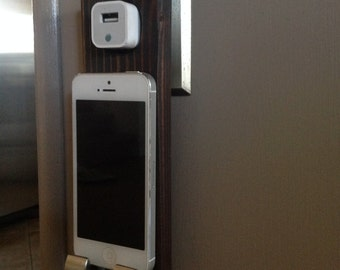 iPhone Wall Cradle