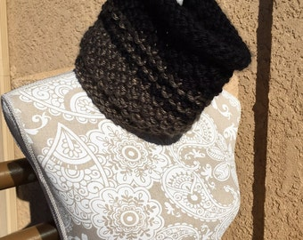 16th Street Cowl -- a loom knit pattern