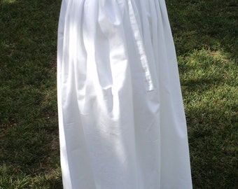 Colonial simple, cotton petticoat with side slits to accomodate Colonial Pockets-choose from 4 colors-pleated full skirt--MADE TO ORDER