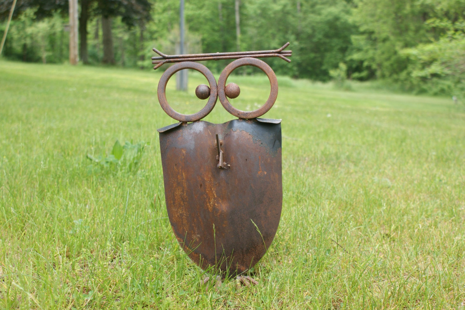 Recycled shovel owls shoves yard art outdoor decor yard for Recycled yard decorations
