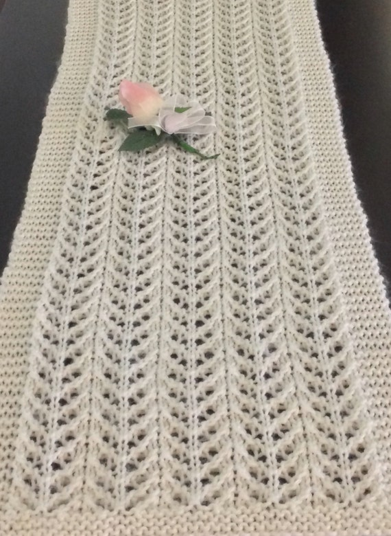 Excepcional Knitted Table Runner Lace Pattern Ilustración - Ideas de ...