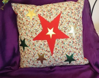 Ditsy Floral Luxurious Cushion Cover