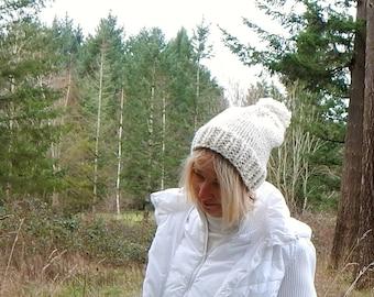 Knit Slouchy Pom Pom Hat in Cream