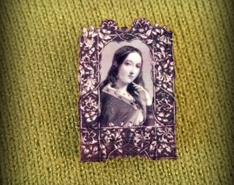 Medieval Pin - Medieval Maiden - Mini Portrait Pin - Portrait Pin - Black and White - Shakespeare Pin - Tiny Portrait Pin - Plastic Pin