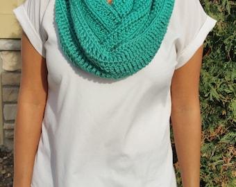 Mint Infinity Scarf, Mint Crochet Infinity Scarf, Mint Scarf, Green Infinity Scarf, Green Crochet Scarf, Green Crochet Infinity Scarf