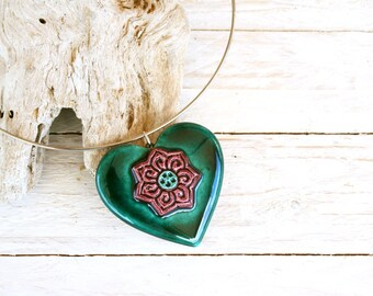 Ceramic heart pendant necklace, Heart rigid collar, Heart necklace, Love jewelry, Christmas jewelry