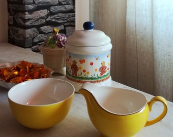 Alfred Meakin Porcelain Yellow Sugar Bowl & Creamer, Set of 2