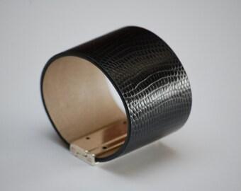 Cuff leather women bracelet