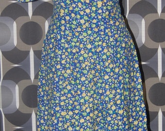 Blue vintage dress with flowers and triangles