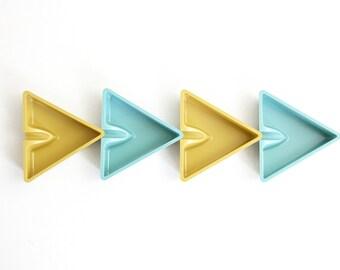 Mid Century Modern Melmac Ashtrays / Vintage Aqua and Yellow Triangle Trays