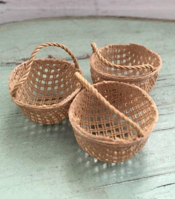 Miniature Round Basket, Dollhouse Miniature, 1:12 Scale, Dollhouse Fairy Garden Accessory, Home and Garden Decor, Crafts, Topper